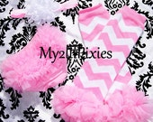 Pink Chevron Leg Warmers, Ruffle Bloomer and Headband. Baby Bloomer. Pink Ruffle Bloomer. Pink Leg Warmers. Pink and White Headband.