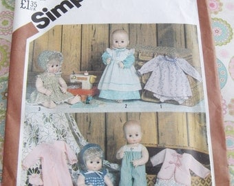 "Vintage Simplicity Sewing Pattern 5615 Wardrobe for Baby Dolls 15"" - 16"""