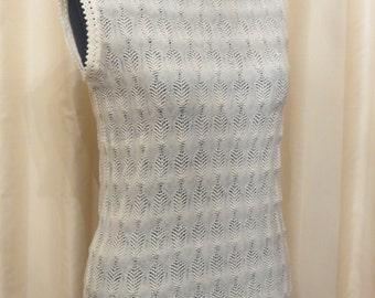 Vintage Women's Ivory Cream Knit Vest Jumper Sweater