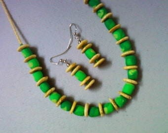 Bright Green and Yellow Necklace and Earrings (0737)