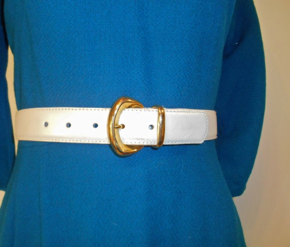 Vintage White Leather Belt with Golden Buckle White Genuine Leather Belt vintage belt White Belt Small white belt Vintage Womens waist belt