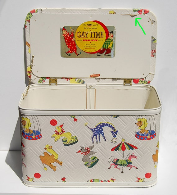 Vintage Circus Toy Box Gay Time Pearl Wick Padded Vinyl