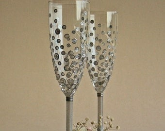 Personalized Wedding Toasting Glasses Hand Painted, Silver Polka Dots Swarovski Crystals Champagne Toasting Wedding Glasses Set of 2