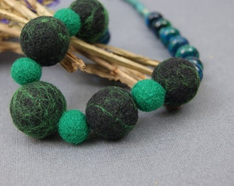 Emerald Necklace Green Necklace Natural Stone Black Necklace Boho Necklace