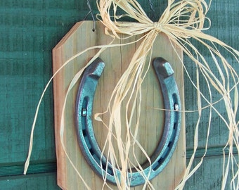 Horse Shoe Plaque, Lucky Horseshoe on Reclaimed Wood, Rustic Home Decor, Farmhouse Decor, Game Room, Horseshoe Plaque, Western Decor