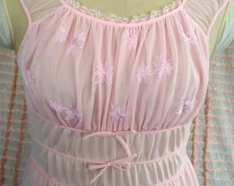"VINTAGE Chiffon & Lace NIGHTGOWN, Fabulous ""Blue Swan"" PINK Knee Length 1950's Dress Style,  Sz 34, Romantic Lingerie"