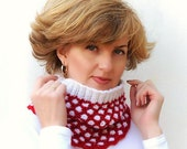 Knitted Chunky Women Cowl, Knit Snood, Red White Circle scarf, Circle Infinity Cowl.