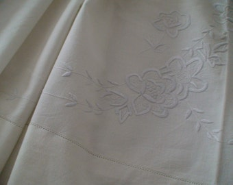 """Exquisite Handmade Linen Cotton Sheet, Vintage 1940s,  Floral Embroidery Design, Collectible, 90"""" x 96"""""""