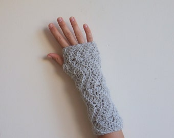 PDF crochet pattern  ripples chevron zig zag fingerless mittens, textured gloves, DIY photo tutorial, Quick and easy gift