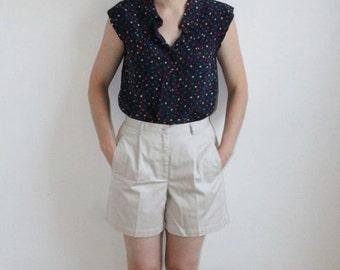 S A L E - Khaki Shorts - M