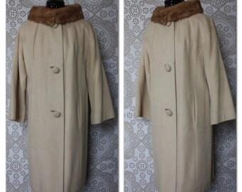 Vintage 1960's Beige Cashmere Coat with Fur Collar S/M