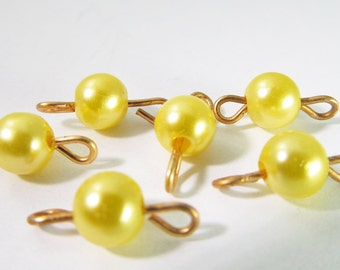 20 Vintage 6mm Bright Yellow Pearl and Brass Connectors Con152