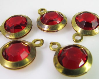 10 Vintage Ruby Red Lucite Brass Bezel Channel Set  Faceted Charms Pendants Drops Pd587