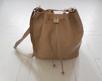 Vintage Bottega Veneta Beige Leather Drawstring Shoulder Bag Purse