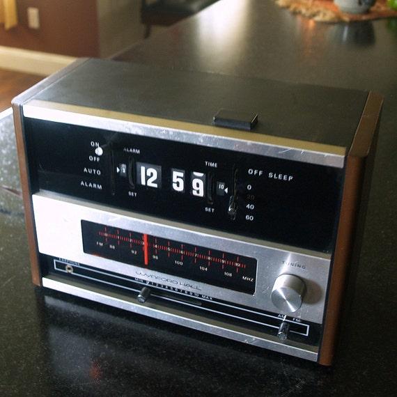 VINTAGE FLIP CLOCK Retro Radio Needs Repair by ...
