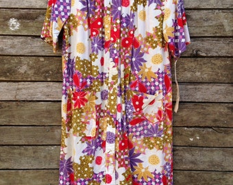 1960's Bright Colorful Floral Smock Style Dress