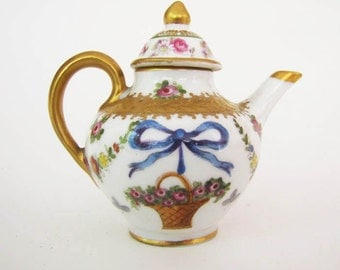 Early 19th Century Royal Vienna Miniature Teapot ON SALE