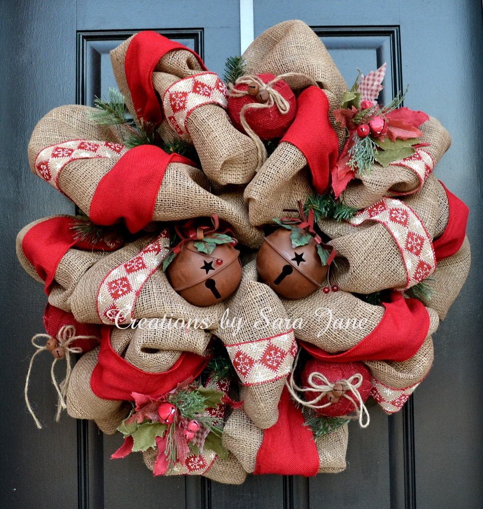 Rustic burlap christmas wreath with jingle bells burlap Burlap xmas wreath