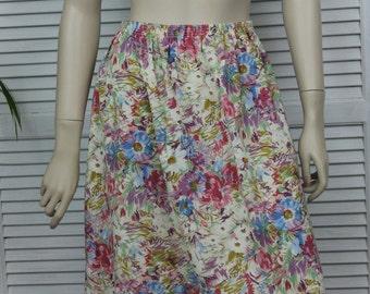 "Vintage Light Polyester Skirt Size 26"" by Pykette"