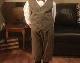 Size 11-12yrs Dark taupe boys  VEST Only