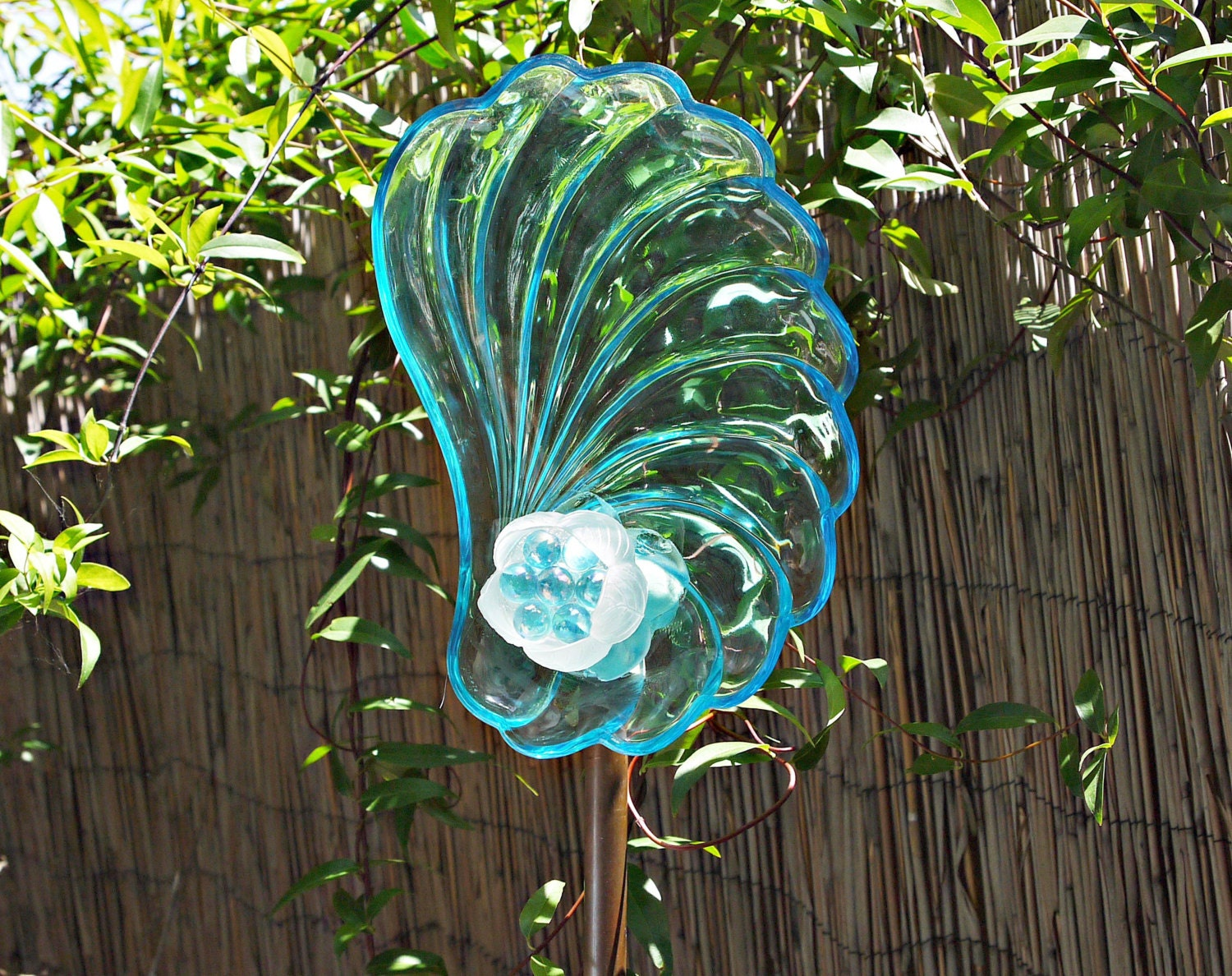 gl vase yard art with Turquoise Garden Flower Yard Art Glass on Garden decor together with Indiana Glass Blue Carnival Glass Hen On furthermore Hand Painted Recycled Beer Bottle together with Yellow And Blue Art Glass Garden Totem furthermore Garden Art Glass Angel Glass Angel Angel.