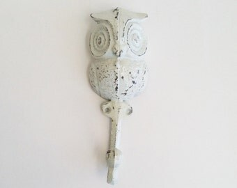 Mint Green Owl Decor, Woodland Nursery Hook, Spring Decoration, Pastel Towel Hanger. Woodland Nursery Key Hook. Cast Iron. Dorm Decor.