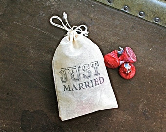 Wedding favor bags, set of 50 drawstring cotton bags, Just Married, carnival font, party favor, bridal shower favor bags, hand stamped favor