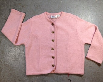 vintage wool cardigan sweater in light pink. retro clothing. size large.