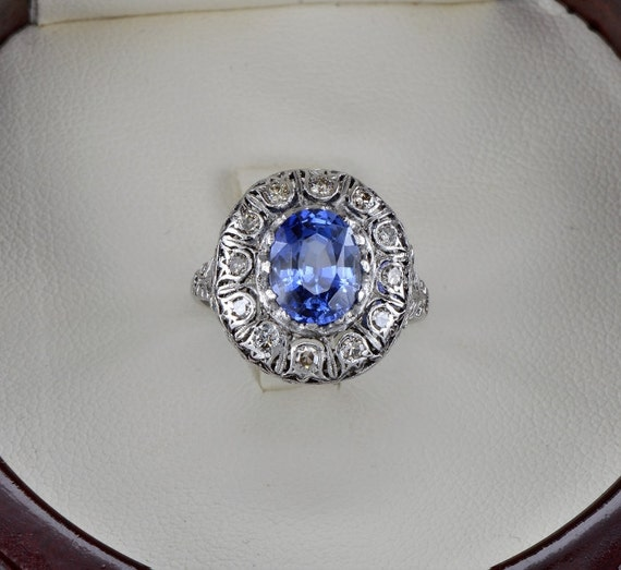 Very rare Natural no heat sapphire and diamond antique Edwardian ring
