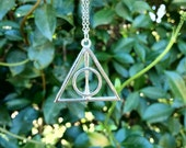 Harry Potter and the Deathly Hallows Necklace in Silver
