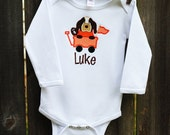 Personalized Hound Dog in Wagon Applique Bodysuit