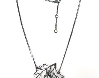 Fall Necklace - 3 leaves - silver /  black