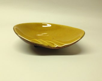 Retro 1960's Treasure Craft Ashtray Man Cave Candy Dish Gold