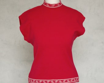 VTG 50s vibrant red 100% wool top