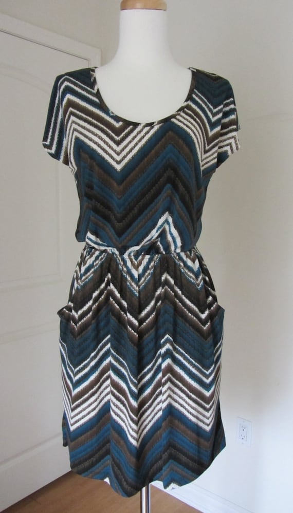 Zig Zag Print Dress with Pockets