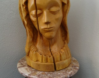Hand carved Mary wooden Bust - Table centerpiece - Virgin Mary art - Michelangelo's Pieta - Female bust - Wood sculpture - Pieta - Art