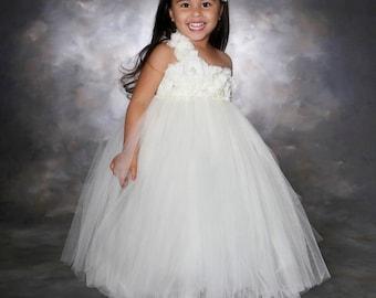 Ivory Tutu...Flower girl Dress...Flower girl Tutu Dress.. Flower girl dresses... Ivory Flower girl dress
