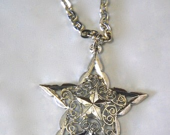 Vintage Silver Tone Filigree Star Necklace Pendant 1960s