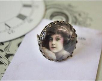 """brazen Ring """"vintage Lady"""""""