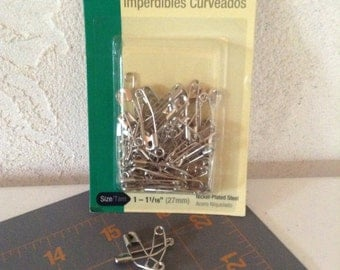 """Curved Safety Pins by Dritz-- 1 1/16"""" long in a package of 50"""