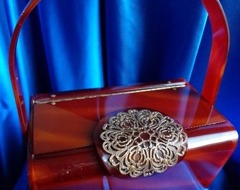 VINTAGE Wilardy Tortoise Swirl LUCITE Purse with Gold FILIGREE Embellishment on Lid  b29