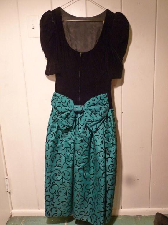 80's Vintage Opening Night black velvet teal dress, never worn