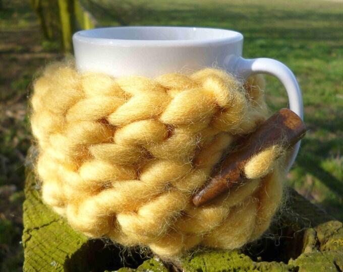 Mug cosy, yellow mug cosy, yellow mug warmer, yellow cup cosy, chunky knit mug cosy, chunky knit coffee cosy, knitted mug cosy