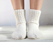 White natural wool socks knitted in size 7US/39EUR - rawoo