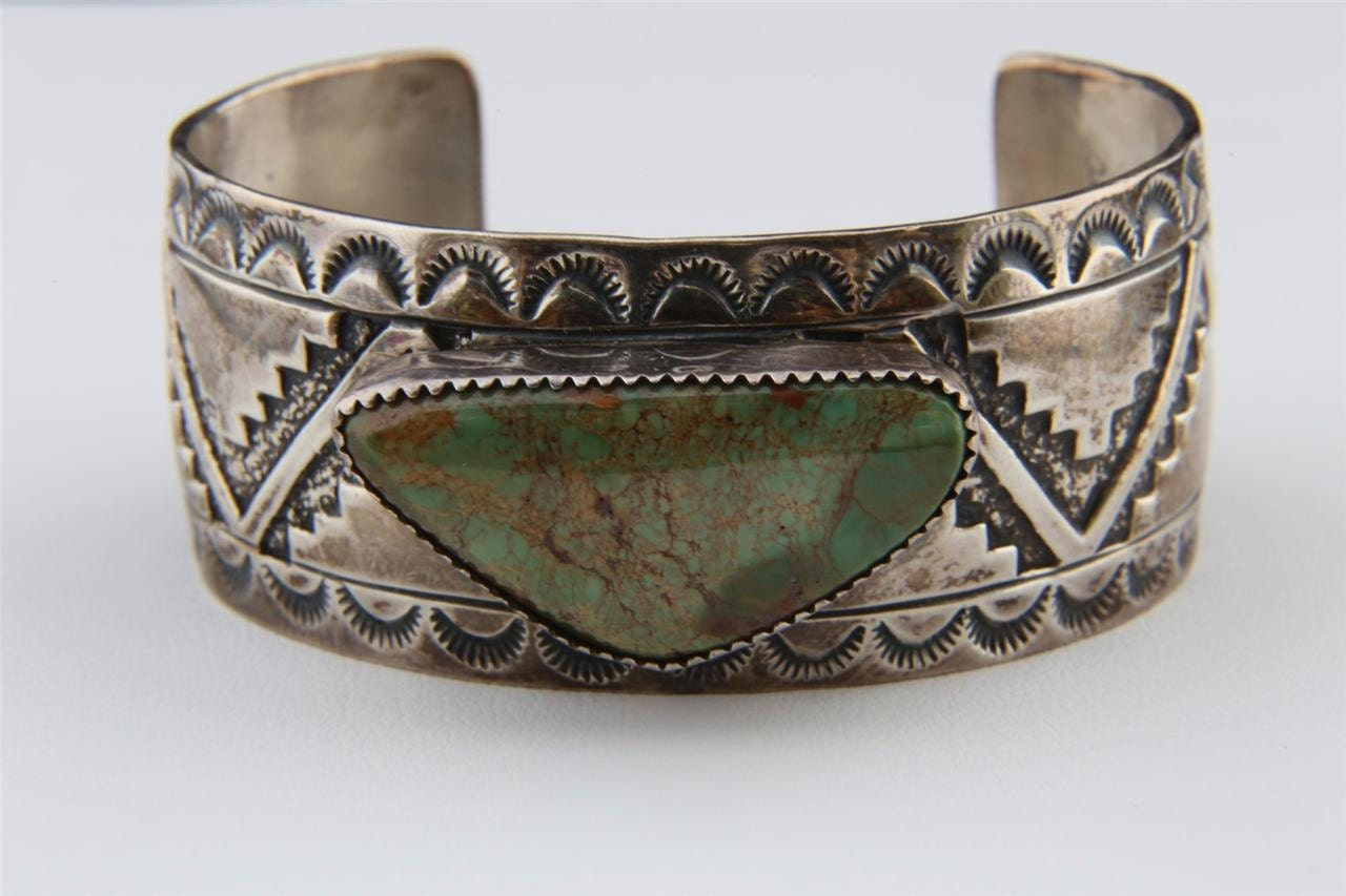 Vintage sterling silver green turquoise bracelet navajo artist for Southwestern silver turquoise jewelry