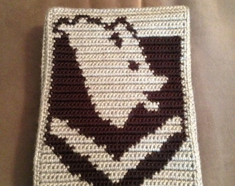 Skyrim inspired crochet/cross-stitch PDF pattern of Windhelm crest