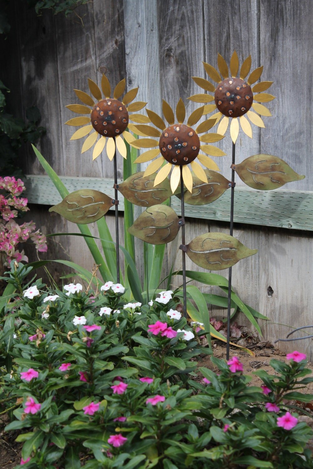Trio of metal sunflowers hand made decorative garden art for Flower garden decorations