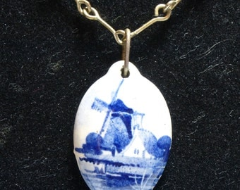 Delft Hand painted Dutch Blue and White pendant