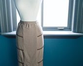 Vintage circa 1950s PENCIL SKIRT with pretty rick rack detail