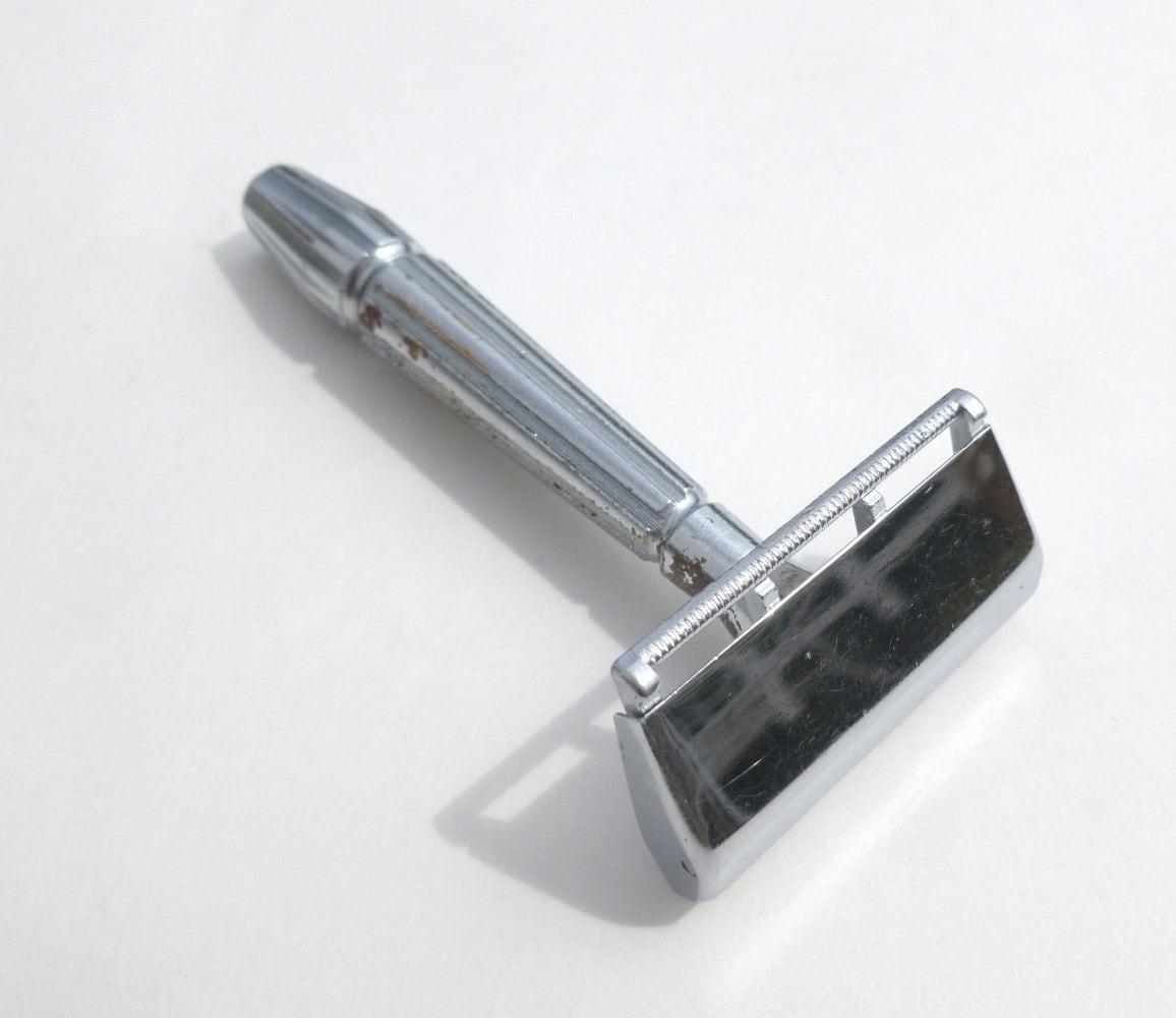 Gem Micromatic Bullet Tip Safety Razor Traditional Wet Shaving